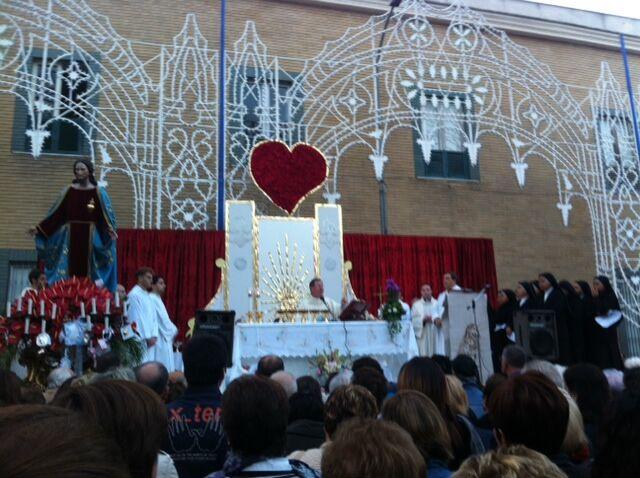 Processione in onore del Sacro Cuore di Gesù, Mugnano unita in preghiera