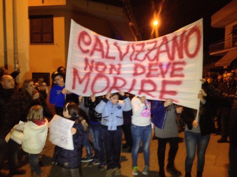 Protesta a Calvizzano contro le antenne dei telefonini