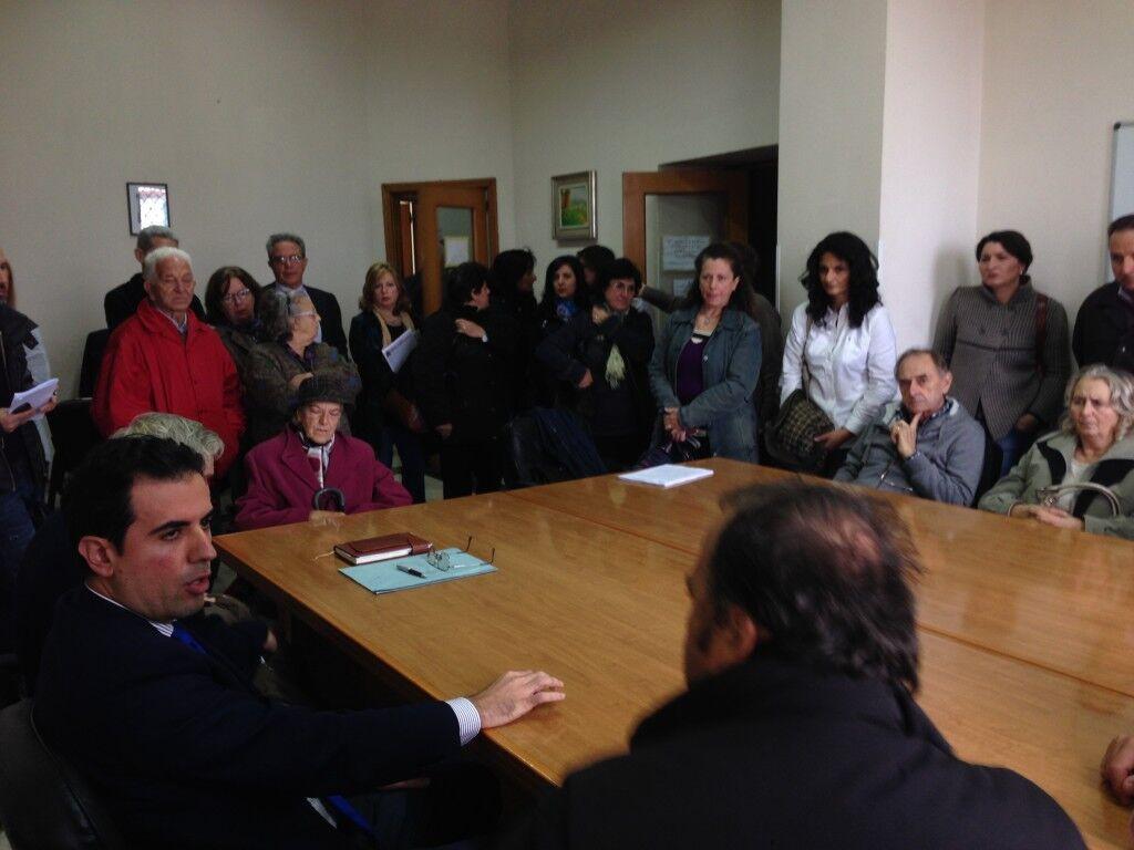 Fogne ai Camaldoli, cittadini di Torre Caracciolo invadono il Comune ma restano delusi