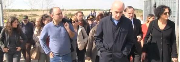 """La commissione diritti umani del Senato al campo rom: """"Situazione inammissibile, incontreremo i commissari"""""""