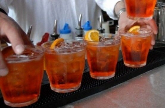 Alcol, sei ragazzi su dieci bevono troppo a Napoli nord