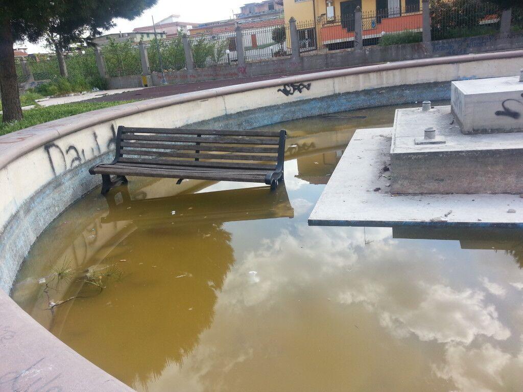 Qualiano, nuovo atto vandalico in Villa Comunale