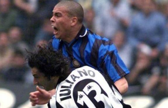 """Simoni: """"E' una stagione assolutamente positiva per il Napoli. Juve, ricordo ancora il contatto tra Ronaldo e Iuliano…"""""""