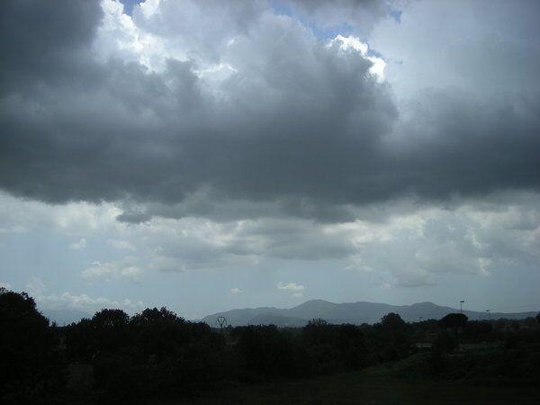 Arriva il ciclone Isabel, attese piogge su Napoli e provincia. Domenica tornano il sole e le belle giornate