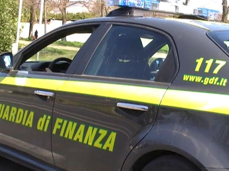 Maxi evasione da 4 milioni di euro, sotto chiave società di Giugliano, Qualiano e Casoria