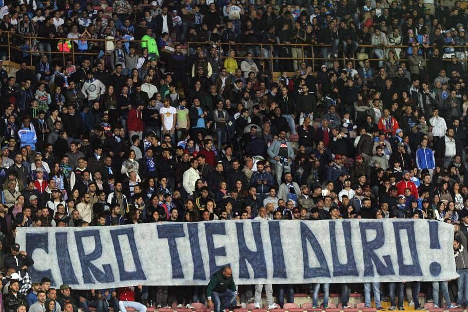 Il San Paolo è tutto per Ciro, la partita è solo il contorno del silenzio