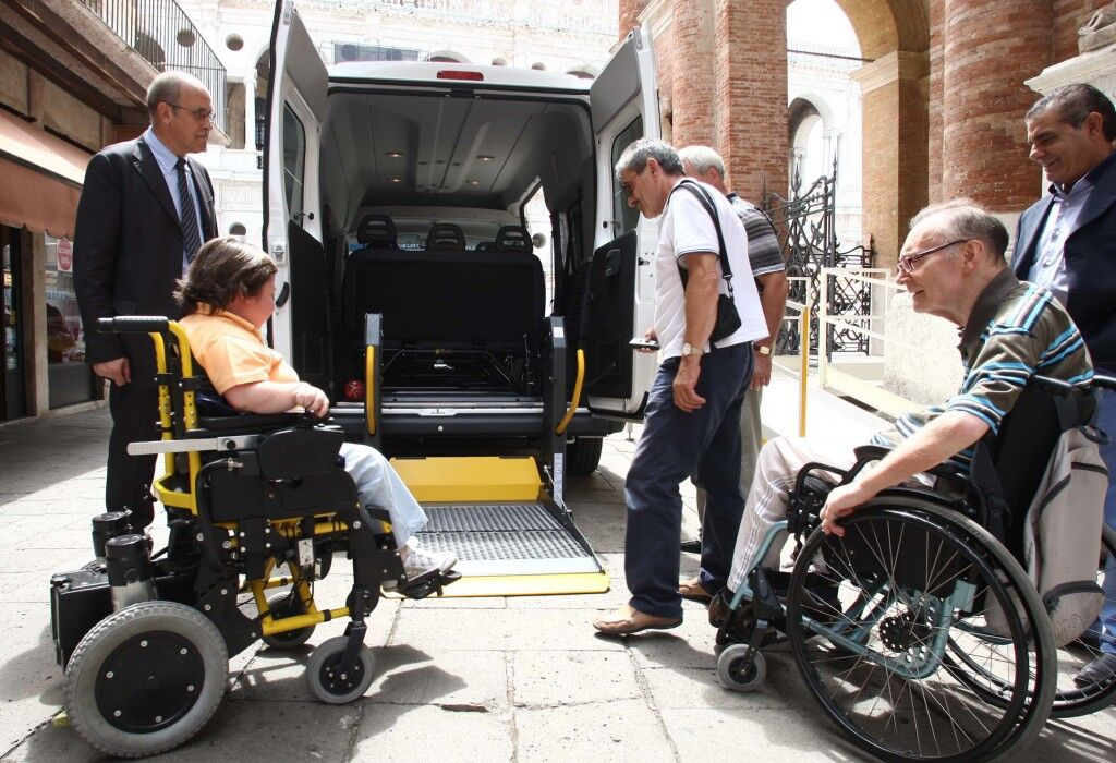 Qualiano, trasporto disabili a carico dei centri RSA