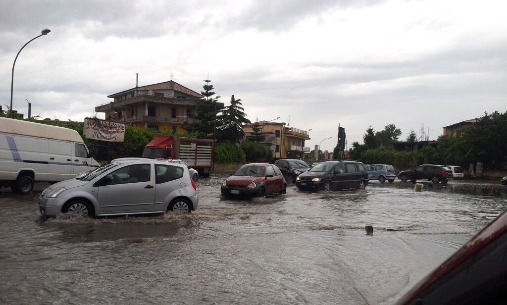 La lettera di un lettore: strade allagate e pulizia assente, degrado dopo il temporale