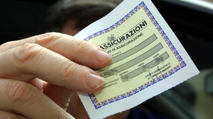 Scoperto con polizze false, arrestato 60enne di Villaricca