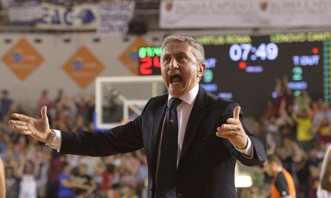 Calvani è il nuovo allenatore del Napoli Basket. Vice campione d'Italia 2013, ha lanciato Gigi Datome