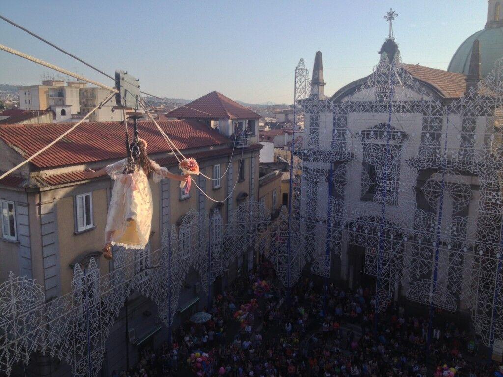 La Madonna continua la sua lunga processione. Teleclubitalia in diretta su canale 98