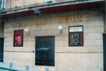 Dal teatro Siani all'auditorium della scuola Socrate: il Marano ragazzi spot festival potrebbe traslocare dalla storica sede. Ed è già polemica