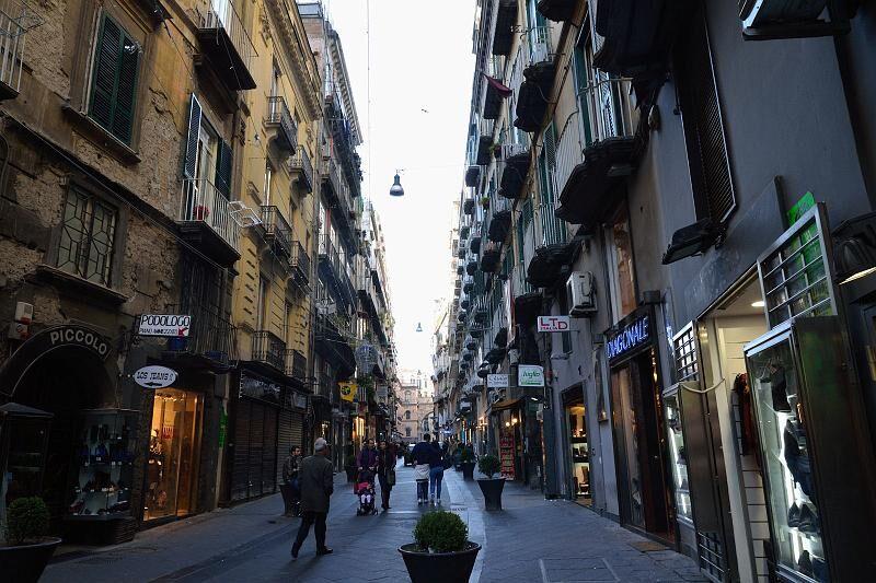 Baretti di Chiaia, la proposta: all'1.30 la chiusura
