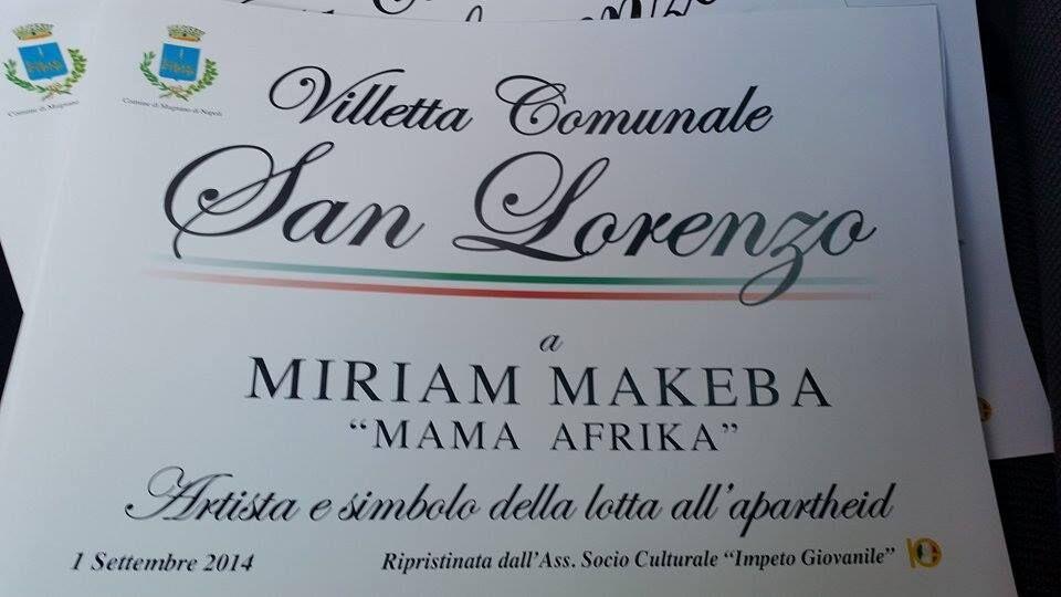 Mugnano, dopo il raid dei giorni scorsi nella villetta di via San Lorenzo, ripristinata la targhetta in ricordo di Miriam Makeba