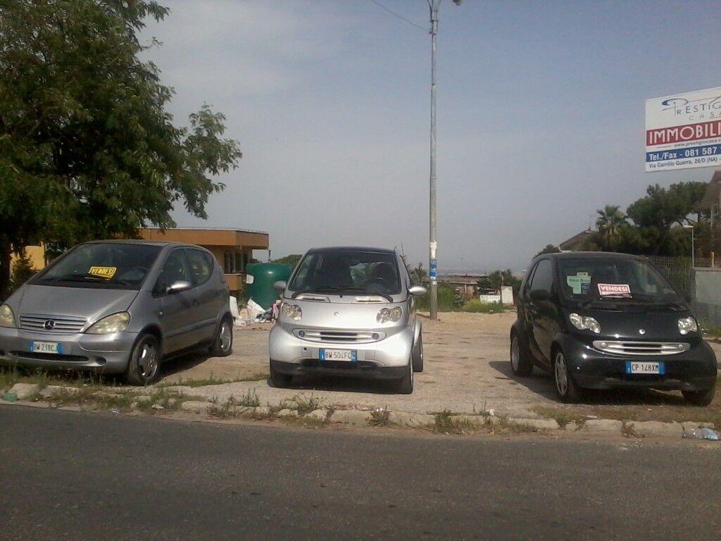"""Marano, a Città Giardino auto in """"bella mostra"""". In città è boom di occupazioni abusive di suolo pubblico"""