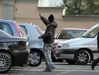 Villaricca, denunciato un parcheggiatore abusivo