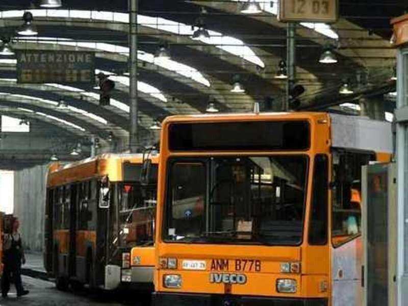 Natale e Capodanno, ecco gli orari di autobus, metro e funicolari