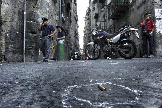 Sparatoria ai Quartieri Spagnoli, coinvolto un giuglianese affiliato ai Terracciano