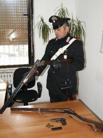 Marano, trovato in possesso di pistola e fucile: arrestato