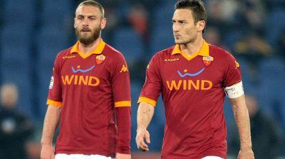 """Totti e De Rossi, messaggi di pace in vista di Napoli-Roma: """"Abbraccio pieno di calore alla famiglia Esposito"""""""