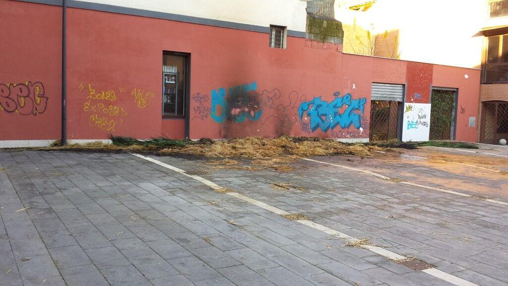 Marano, distrutta dalle fiamme la capanna della Natività. Era stata all'allestita all'esterno del municipio