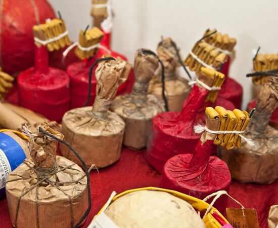 """""""Bombe"""" artigianali trovate nel centro storico di Marano: pericolo per un intero stabile"""