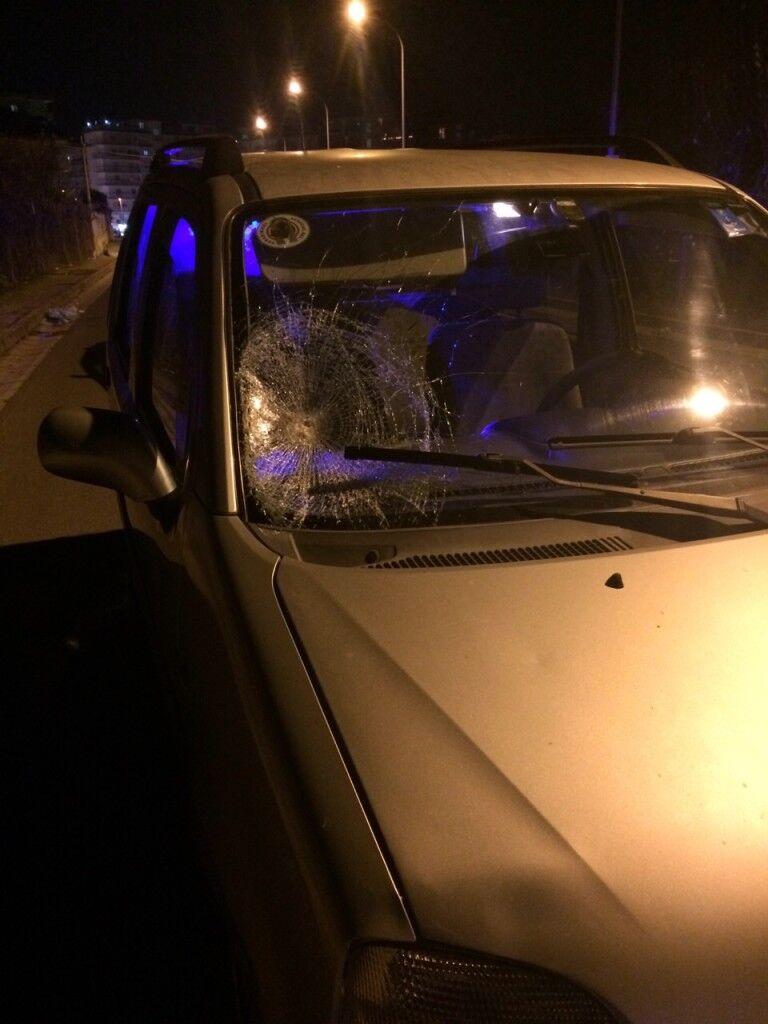 Tragedia a Calvizzano, auto travolge e uccide un uomo. Video
