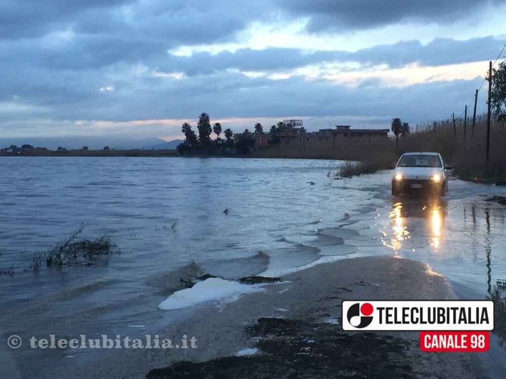 Cadavere ritrovato alla foce del Lago Patria, svelata l'identità: si tratta di un 45enne di Secondigliano forse stroncato da overdose