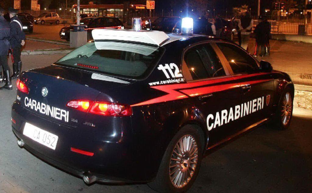 Sparatoria a Mugnano: colpi di pistola esplosi fuori un bar. Ferito un 32enne