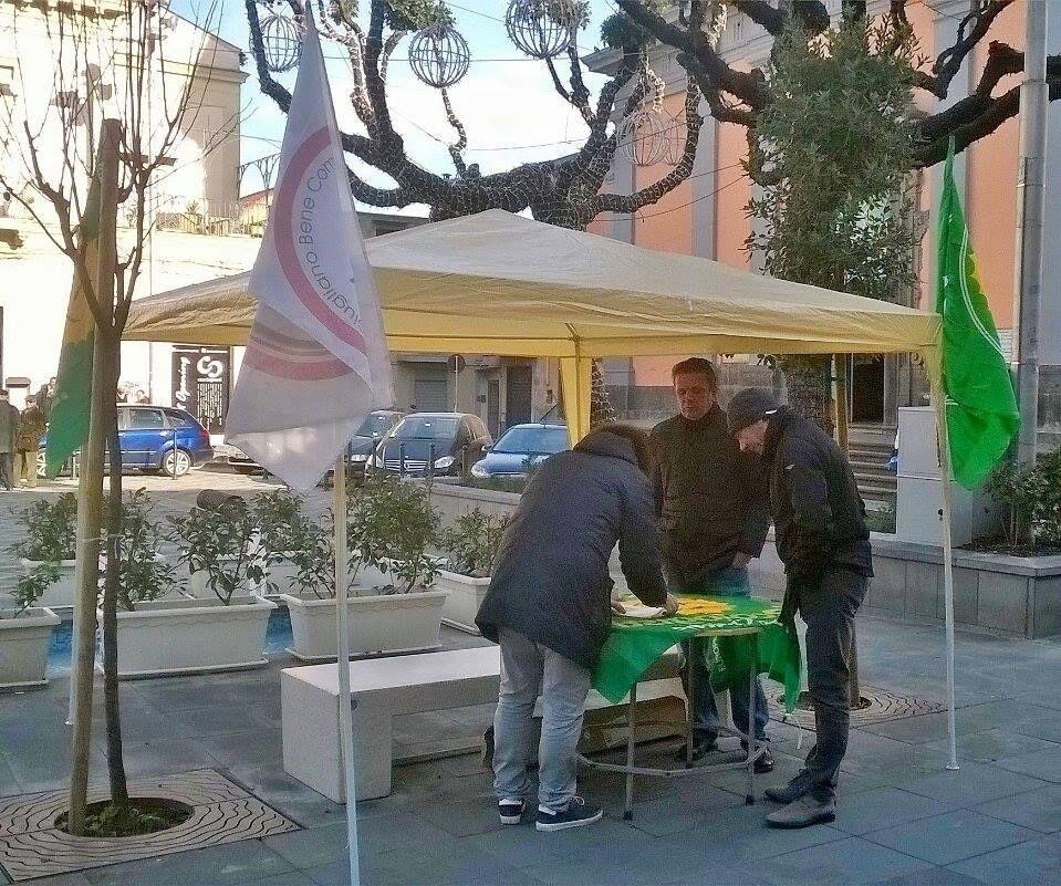 """Verdi in piazza a Giugliano per sostenere la battaglia di De Luca per rimuovere le Ecoballe. """"Caldoro su questo territorio ci voleva realizzare un inceneritore e adesso critica pure"""""""