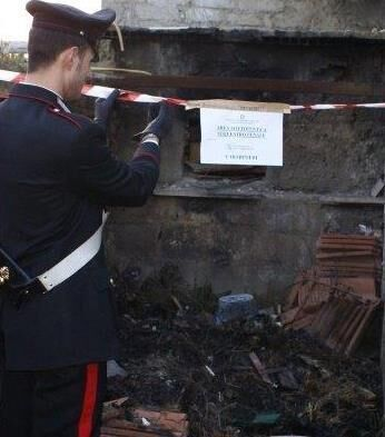 Qualiano: roghi tossici. Carabinieri arrestano tre giovani sorpresi a incendiare rifiuti speciali pericolosi