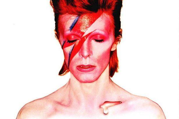 David Bowie è morto, mondo della musica sotto shock