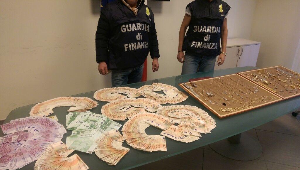 Camorra: sequestro di beni per 20 milioni di euro