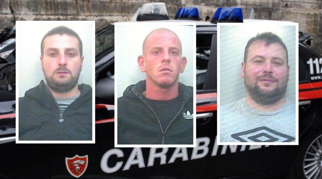 Giugliano, arrestati 3 spacciatori. Hanno cercato di gettare cocaina dal finestrino prima della perquisizione