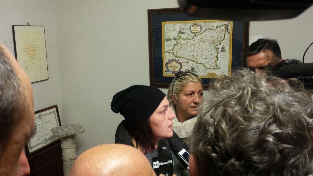"""""""Vogliamo giustizia e verità"""", l'urlo di dolore dei familiari di Gabriella. Video"""