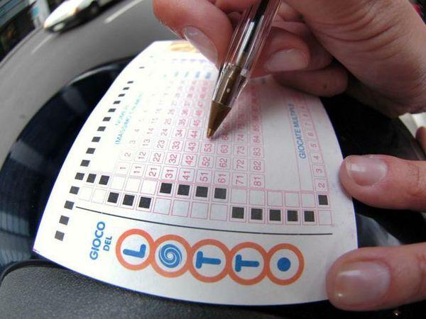 Lotto e Superenalotto giovedì 12 ottobre: nessun 6 e nessun 5+1