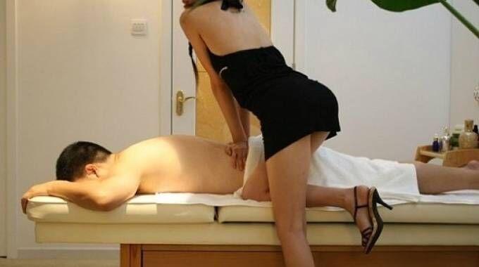 Centri massaggi hot tra Napoli e Caserta. Ecco come funzionano