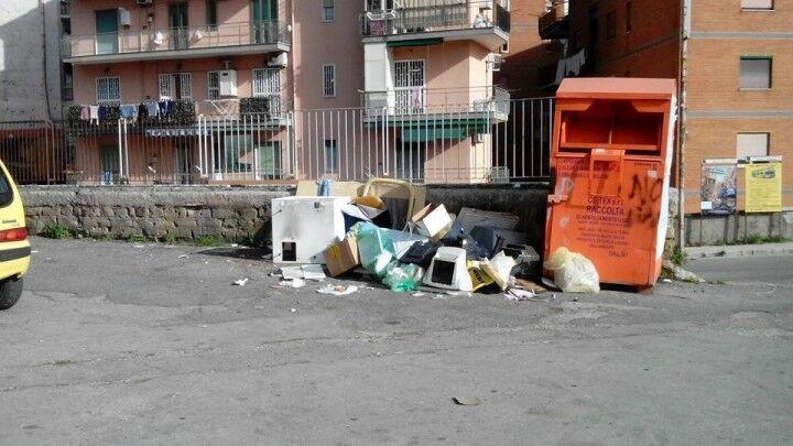 Marano, il comune multa la ditta della raccolta rifiuti: oltre 25mila euro di penale