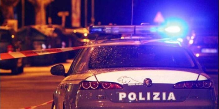 Napoli, la camorra torna a sparare. Ucciso pregiudicato 41enne in un bar