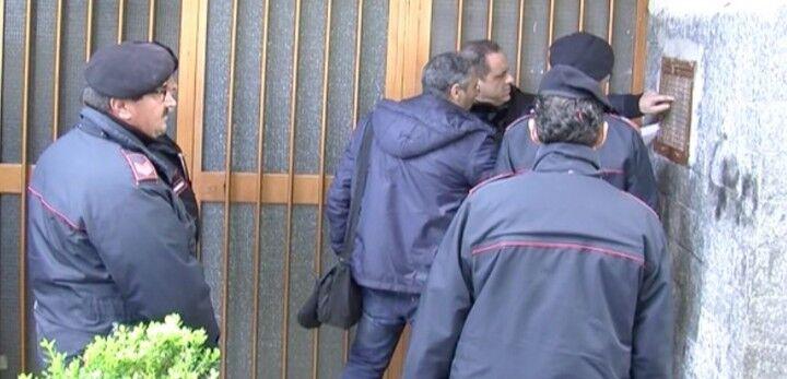 Lo stato mostra i muscoli, maxiblitz dei Carabinieri nell'area nord: trovati proiettili e passamontagna. Video