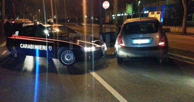 Inseguimento spettacolare tra Cercola e Ponticelli. I carabinieri acciuffano un rapinatore di Barra