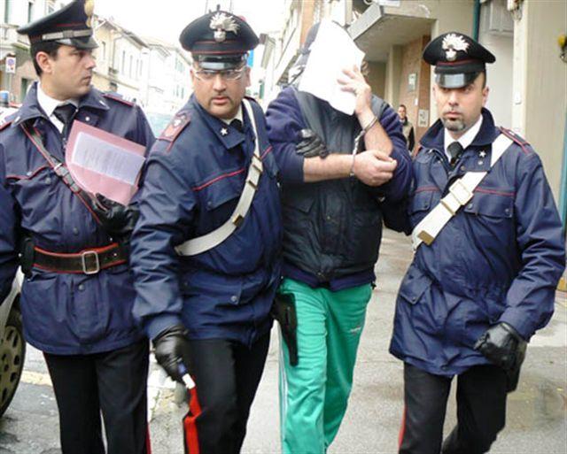 Truffa da 26mila euro con documenti falsi. In manette un giuglianese