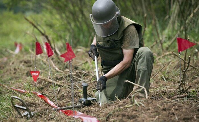 Giugliano al centro dell'innovazione militare: presentato un sistema per rimuovere le mine