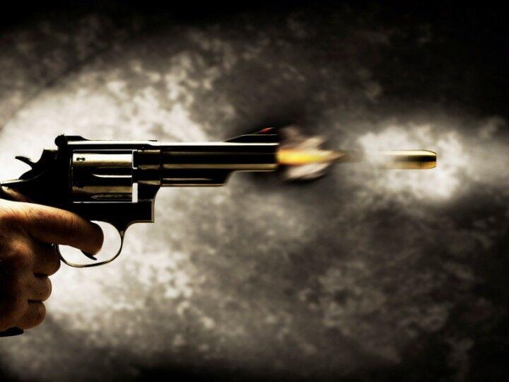 """""""Non mi faceva dormire"""", un 78enne spara in strada: gravissimo un giovane"""