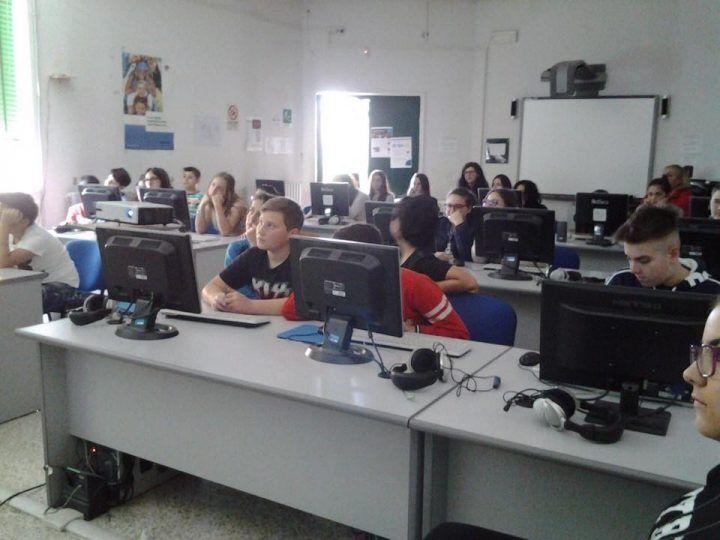 """Internet and coding, alla Marco Polo gli alunni festeggiano il """"compleanno"""" di internet"""