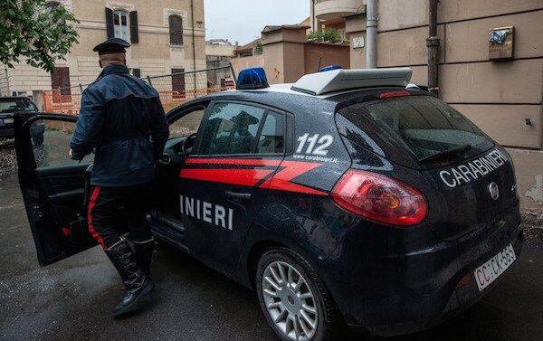 Santa Maria Capua Vetere: carabinieri la ritrovano morta in casa