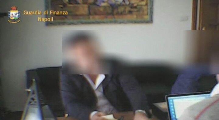 Video- Napoli, arrestato un sindacalista che estorceva denaro ad un imprenditore