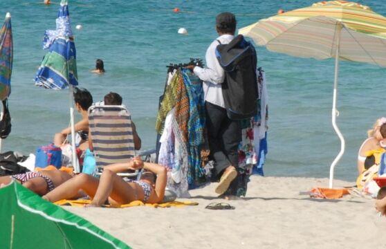 """Allarme choc, """"kamikaze vestiti da ambulanti"""". Allerta sulle spiagge italiane"""