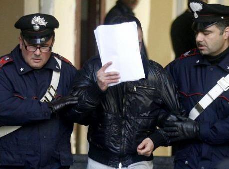"""Quarto, blitz anti-droga al rione """"De Gasperi"""". In manette un 24enne"""