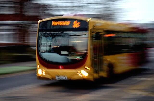 Paura sull'autobus, si rompono i freni in discesa: tragedia evitata grazie all'autista